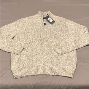 Men's CHAPS sweater, size L. Never worn.